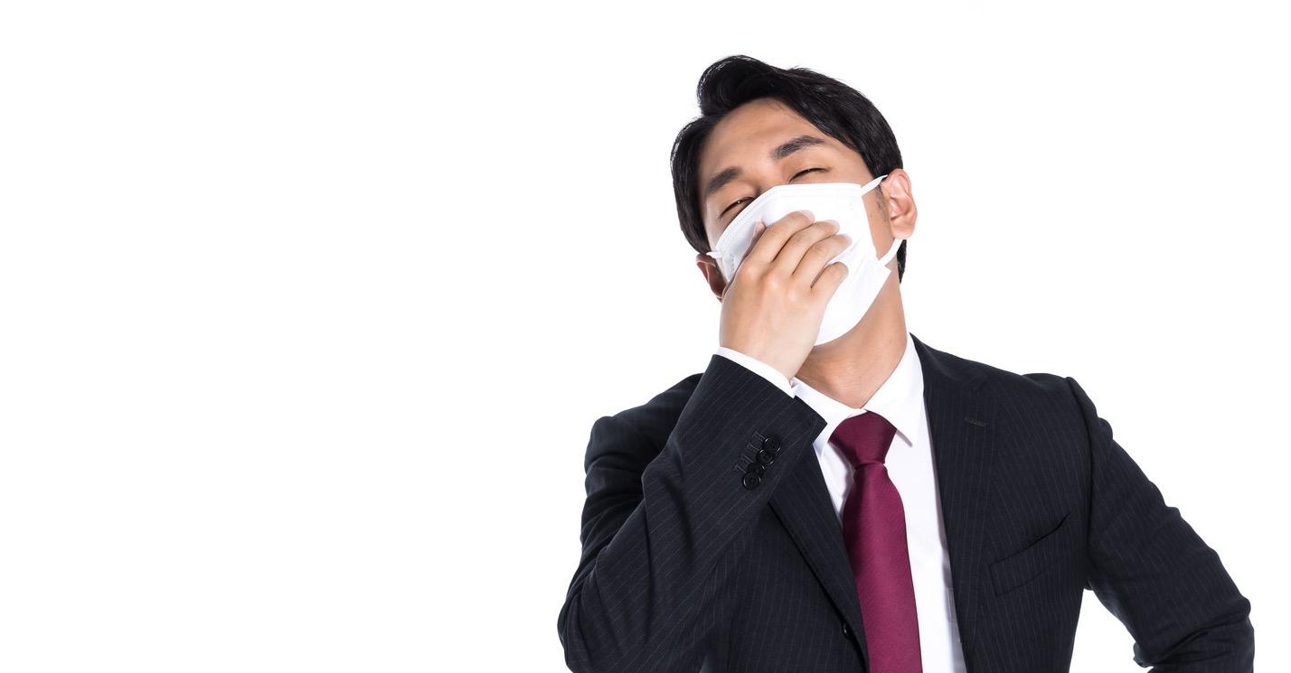 長時間マスクで喉を痛める